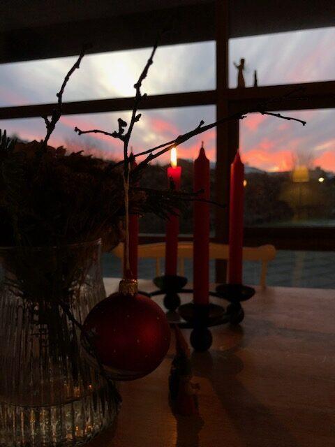 December. Guld, røgelse og myrraskær